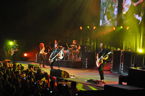band, concert, friends, hayley williams, jeremy davis, josh farro, paramore, taylor york, zac farro