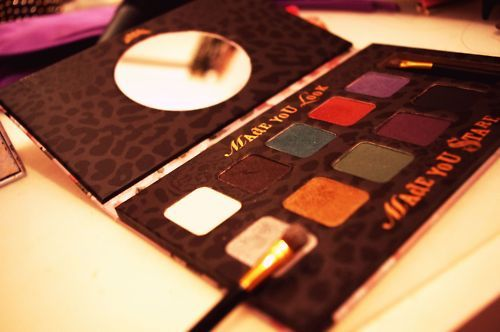 colour, eyeshadow, fashion, fearne cotton, makeup, mirror, vanity