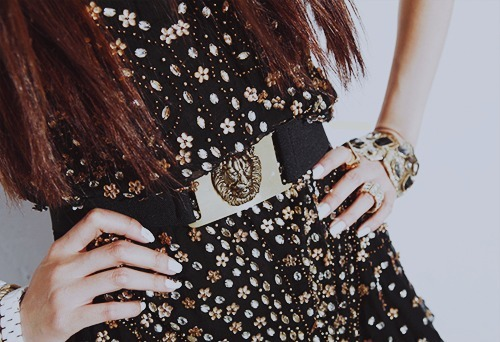 diamond, dress, fashion, floral, glamour, glitter, gold, hair, lion, nails, pretty, rings