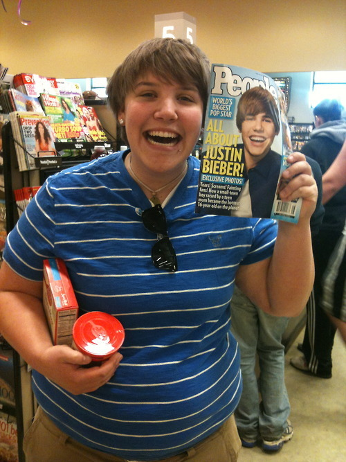 funny, hilarious, justin bieber, lesbian, lesbian who looks