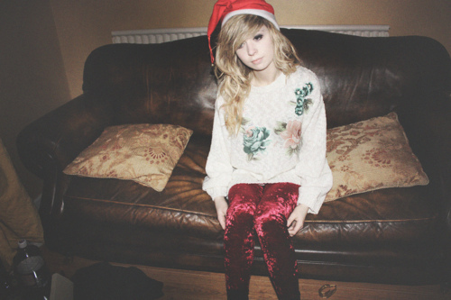 amazing, blonde, christmas, couch, cushions