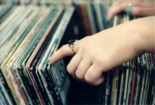 amazing, girl, hipster, indie, photography, pretty, records, vintage