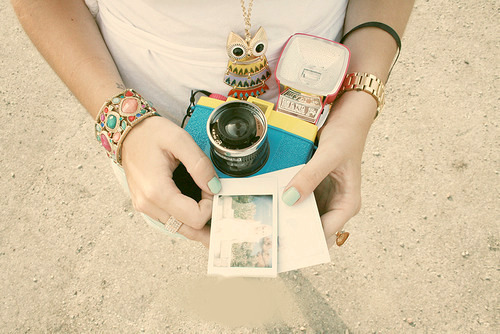 beach, beautiful, camera, cute, fashion, girl, jewelry, lomo, nail polish, neckless, photo, photography, pink, pretty, white