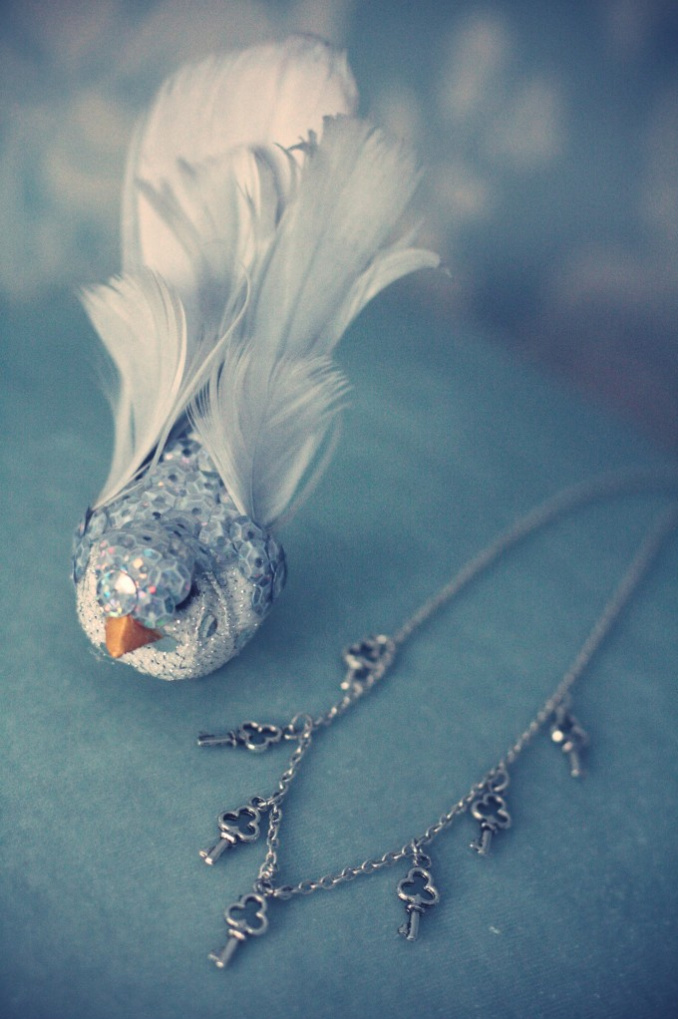 bird, feathers, necklace, sequins, silver