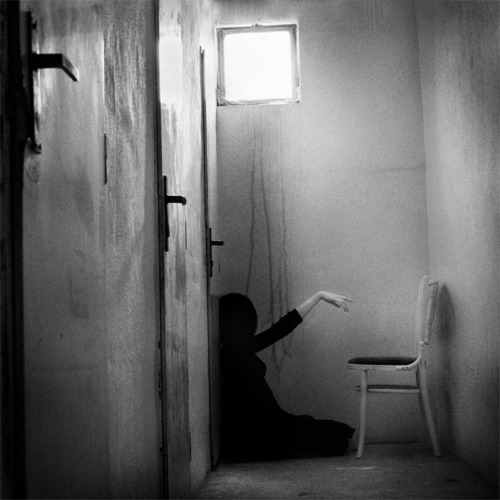 black, black and white, chair, crazy, creepy, dark, devil, evil, girl, hell, light, possesed, scary, the excorcist, the ring, ugly