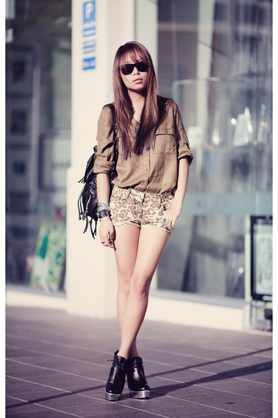 fashion, fashion photography, girl, heels, high fashion, hot pants, khaki, khaki shirt, leopard print, leopard print hot pants, leopard print shorts, photography, pretty, shades, shirt, shorts, style, stylish