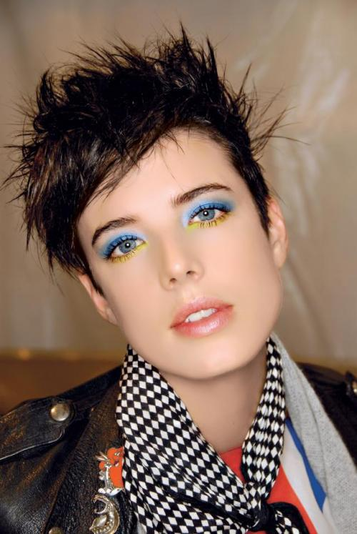 agyness deyn, blue eyeliner, eyes, make up, makeup, yellow