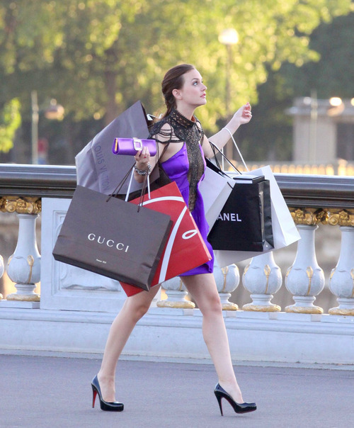 actress, blair, blair waldorf, chanel, christian, christian louboutin shoes, gossip, gossip girl, gucci, leighton, leighton meester, louboutin, louboutin shoes, louis vuitton, photo, photograph, shoes, shopping, sonho de adolencente