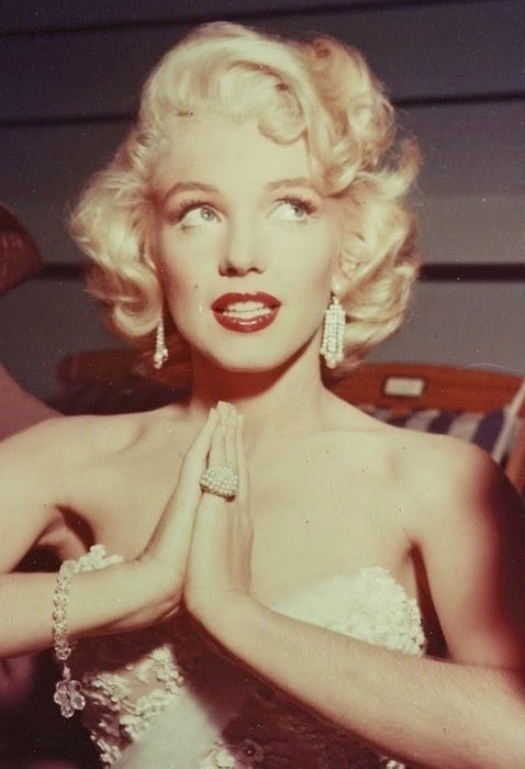 blonde, fashion, marilyn monroe, red lipstick, retro