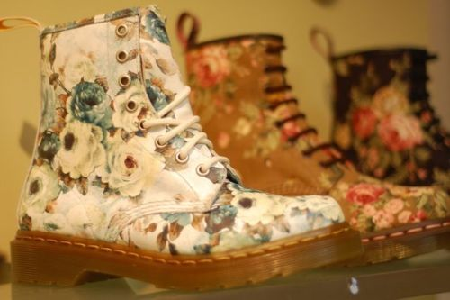 boots, cute, dr martins, fashion, flowers, girl, separate with comma, vintage