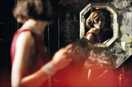 actress, chanel, coco mademoiselle, fashion, girl, keira knightley, mirror