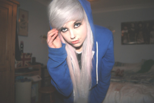 alternative, alternative girl, american apparel, beautiful, beauty, blonde, girl, long hair, piercing, pretty