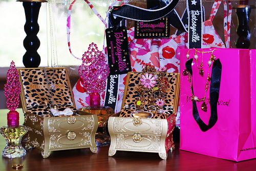 bag, betsey johnson, betseyville, bow, cute!, flower, handbag, jewlery, kiss, necklace, pink
