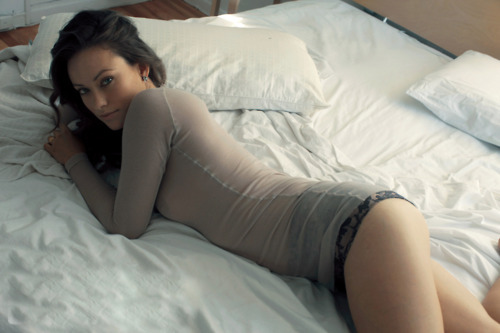 bed, girl, gorgeous, olivia wilde, skinny