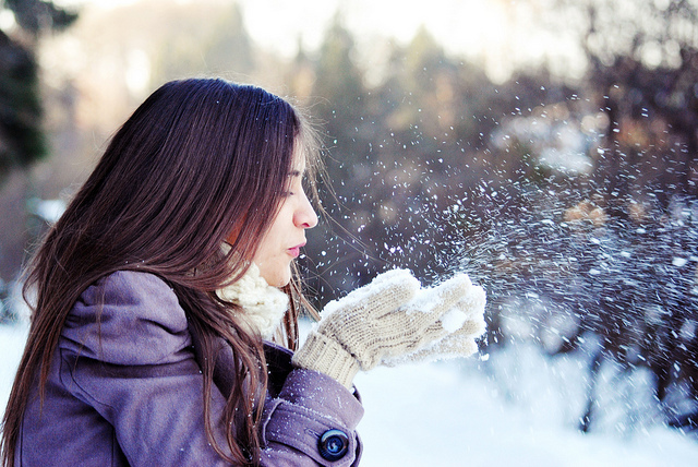 blowing, bokeh, casaco, coat, cold day