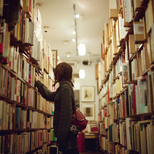 books, bookstore, girl, library - image #184647 on Favim.com