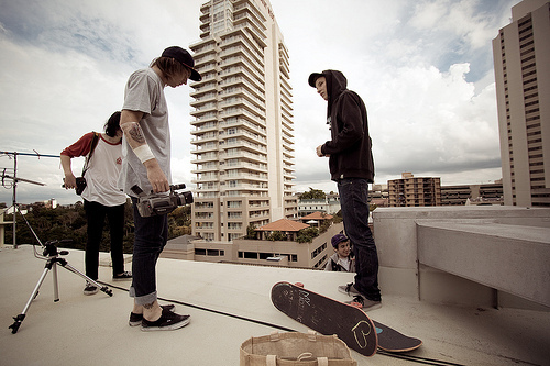 boys, rooof, skateboarding, sky