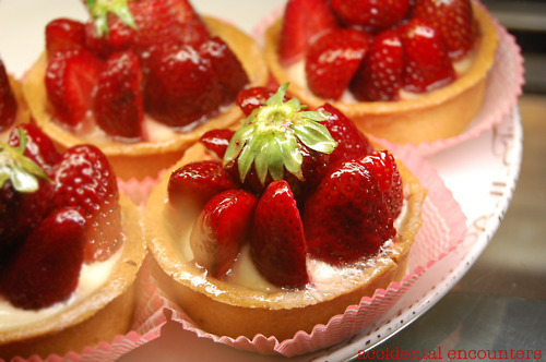 cakes, delicious, dessert, food, fruit, strawberries