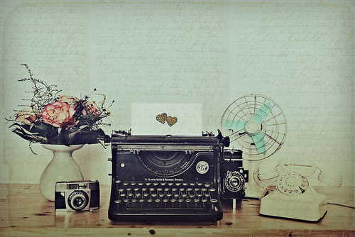 camera, fan, flowers, heart, phone, retro, typewriter, vintage