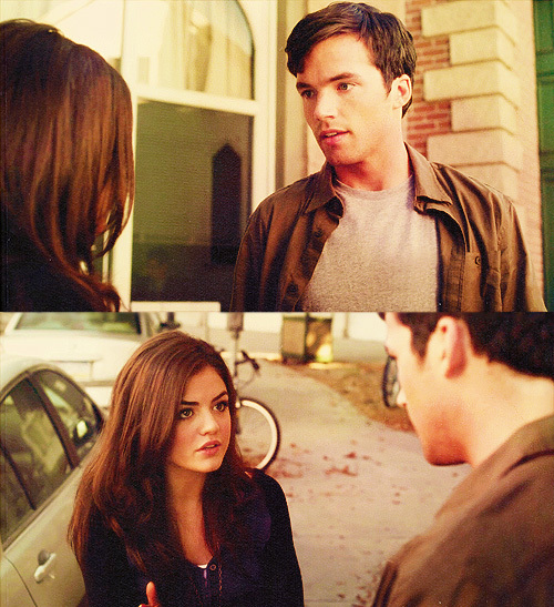 are aria and ezra dating in season 4