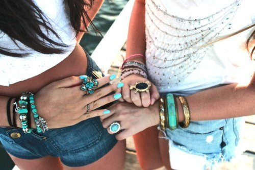 bangle, bracelet, brunette, deck, fashion, friends, girl, girls, glauumartinss, hair, jewellery, nails, ocean, photography, pretty, ring, rings, shirt, shorts, tee, water