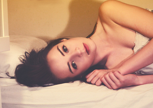 beautiful, bed, brunette, eyebrows, girl, hair, lips, pretty, skinny, thin, thinspiration, thinspo, woman