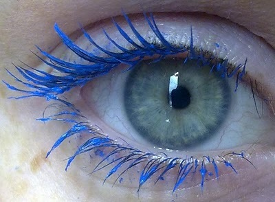 blue mascara, eye makeup, eyelashes