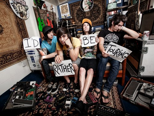 boy, cute, funny, gauges, hat, jaime preciado, mike fuentes, photography, pierce the veil, signs, tattoos, tony perry, vic fuentes