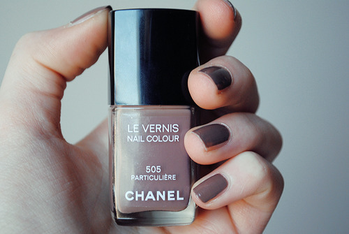 chanel, chanel nailpolish, girl, juul, nailpolish