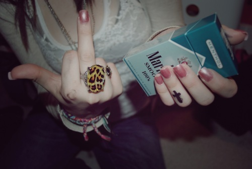 cigarette, marlboro, rings