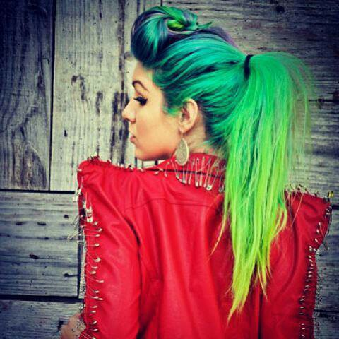 how to keep bright colors from fading in hair