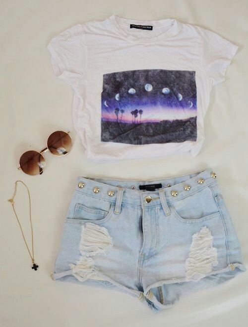 clothes, clothing, eyeglasses, fashion, girly, grunge, look, moon, outfit, perfect, photo, photography, shirt, shorts, style, vintage