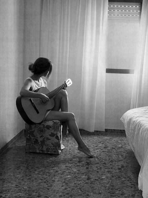 acoustic, black and white, girl, guitar, music, photo, pretty, skinny