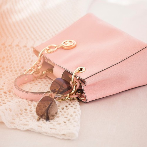 baby, bag, charming, cute, dream, glasses, haha, kitty, louis vitton, lovely, pink, First Set on Favim.com