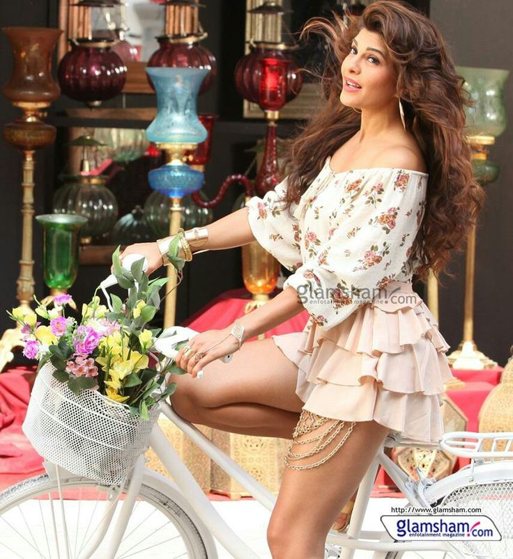 bicycle, bollywood, bysicle, cute, girl, jacqueline fernandez