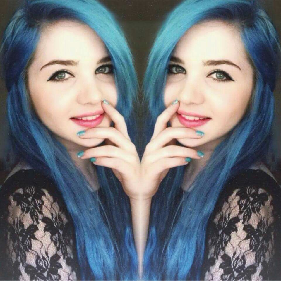 blue, tumblr girl, alternative and colored hair