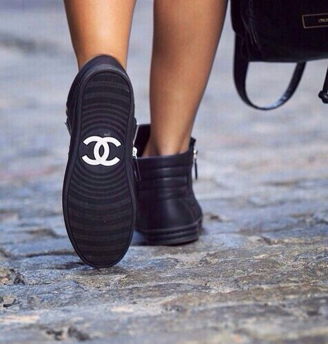 awesome style, black and white, black shoes and chanel