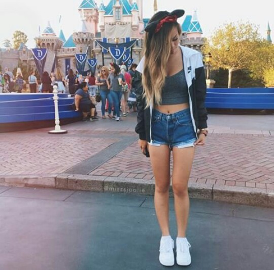 Cute Disneyland Outfits Tumblr Clothes, disneyland, fashion, glamour ...