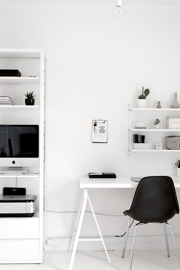 19 Minimalist Black And White Workspace Best 25