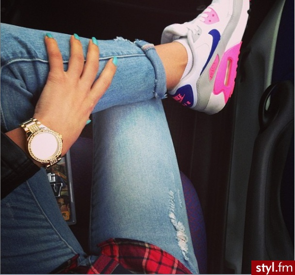 I love FASHION fashion-girl-nike-ai
