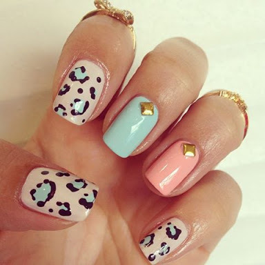 I love FASHION fashion-girl-nails-s