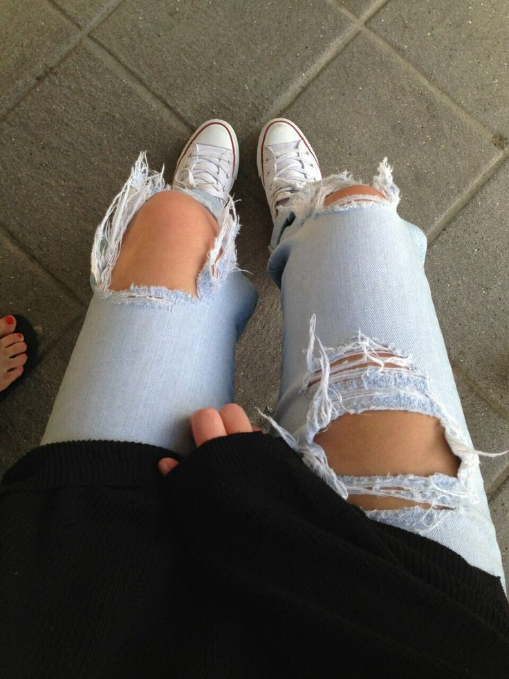 <3, beauty, black, blue, cute, fashion, goals, leg, legs, outfit, outfits, pretty, ripped jeans, stunner, stunning, style, sweater, tumblr, tumblr girl, white, wow, tumblr quality, on point, outfit goals, on fleek, leg goals, converse