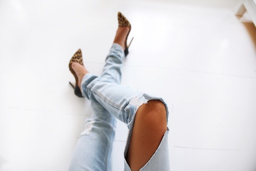 blue, denim, fashion, girl, heels, leopard, outfit, pumps, ripped jeans, shoes, style