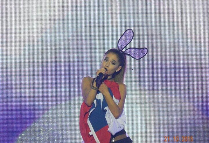 ariana grande, chile, honeymoon tour