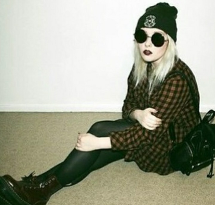 autumn, bag, beautifull, beauty, black, blonde, bonnet, boots, bracelet, gothic, grunge style, heart, jacket, jew, jewelry, jump, look, lookbook, moda, necklace, outfit, ring, short, shorts, spring, style, t-shirt, top, want, we heart it, wear, win