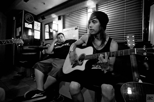 acoustic, guitar, hat, music, photo, pierce the veil, shorts, vic fuentes