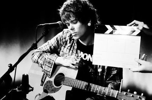 beautiful, black and white, chris drew, christofer drew, cute, fashion, folk, indie, music, nevershoutnever!, photo, photography, pretty, ramones, show, singer, song