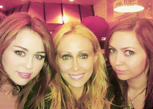 brandi, cyrus girls, miley cyrus, tish