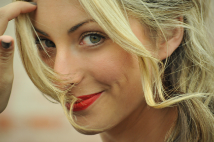 blond, blonde, cupcakes and cashmere, cute, emily, face, fashion, girl, greeneyes, red lips, red lipstick, redlips, sexy, smile, woman
