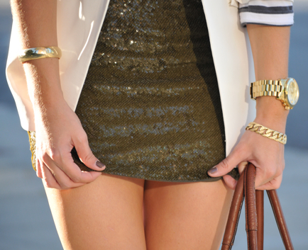 bracelets, clock, cupcakes and cashmere, emily, fashion, glam, gold, it girl, nail, sequins